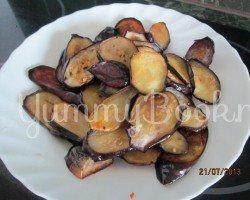 Баклажаны с морковью жаренные - шаг 1