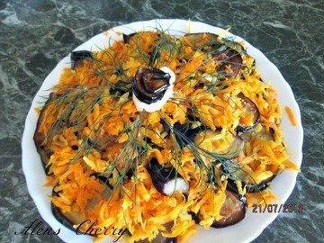 Баклажаны с морковью жаренные