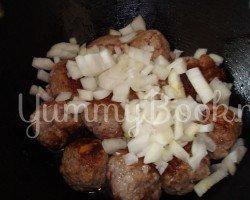 Суп с грибами и фрикадельками в мультиварке - шаг 1