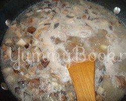 Суп с грибами и фрикадельками в мультиварке - шаг 3