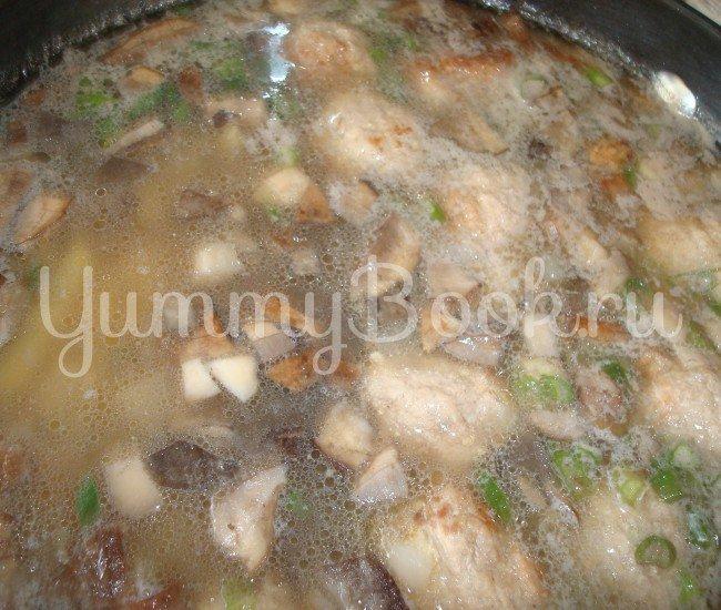 Суп с грибами и фрикадельками в мультиварке - шаг 4