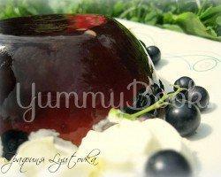 Лимонадное желе с черной смородиной и взбитыми сливками - шаг 1