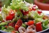 Летний салат из креветок