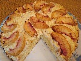 Пирог с творожно - персиковой начинкой