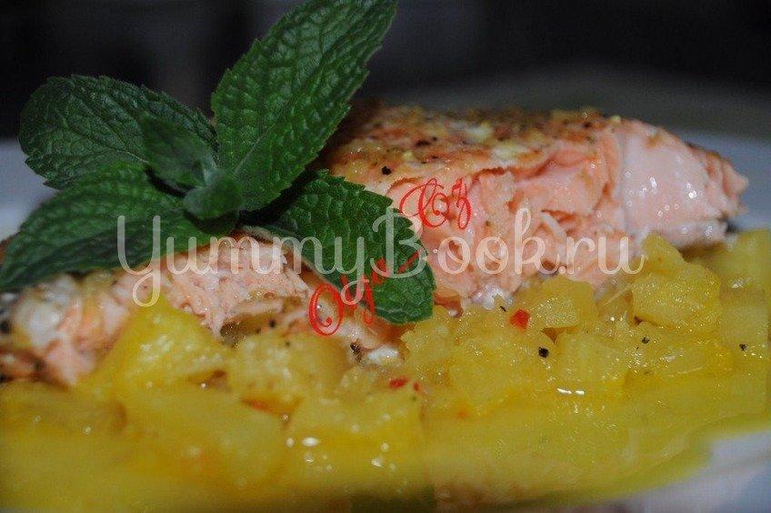 Лосось с ананасом в пикантном апельсиново-имбирном соусе