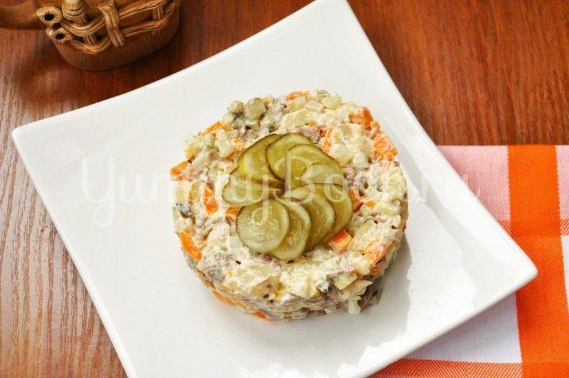 Салат с говядиной и солеными огурцами - шаг 4