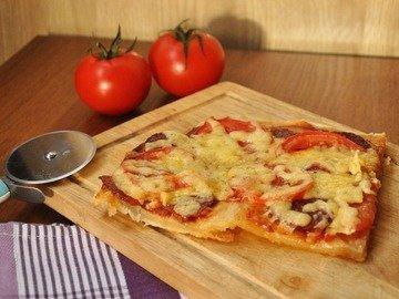Тонкая бездрожжевая пицца