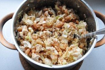 Салат с курицей, фасолью и яблоками - шаг 4