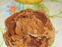 Оладьи с шоколадом и бананом