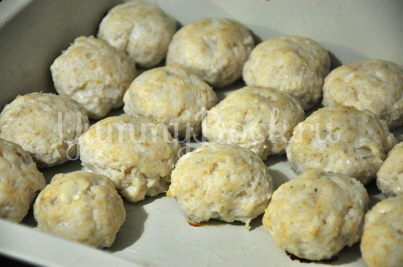 Куриные тефтельки под сырным соусом - шаг 6