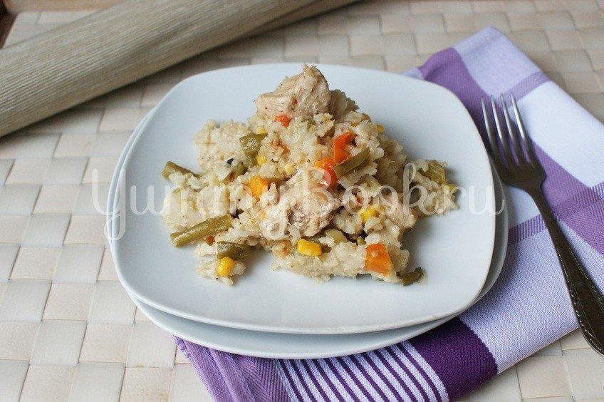 Бурый рис с мясом и овощами в мультиварке