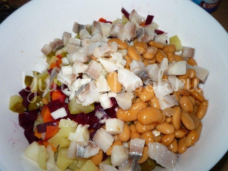 Винегрет с сельдью и консервированной фасолью - шаг 7