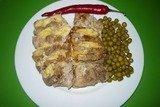 """Свинина """"Гармошка"""" с сыром, приготовленная на пару в мультиварке"""