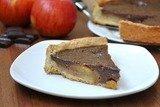 Пирог с яблоками, карамелью и шоколадом