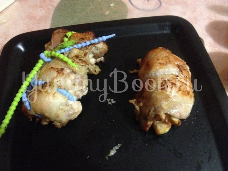 Курица в имбирно-апельсиновом маринаде, фаршированная айвой - шаг 8