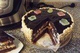 Торт из шоколадного бисквита в мультиварке