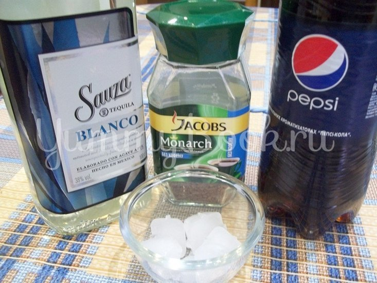 Охлаждающий спиртной коктейль «Ржавый гвоздь» - шаг 1