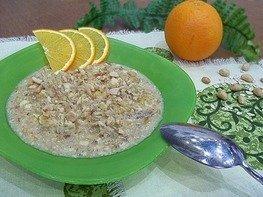 Овсяная каша с апельсином и арахисом