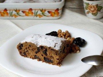 Кофейный кекс с орехами и черносливом