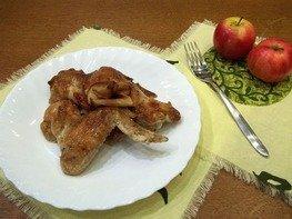 Крылышки с яблоками запеченные в духовке