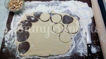 Песочное печенье с орехами на кефире - шаг 10