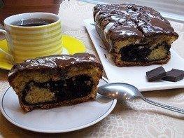 Ванильный кекс с влажной шоколадной начинкой