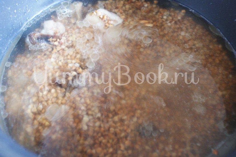 Гречневая каша с мясом и грибами в мультиварке - шаг 3