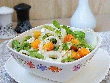 Салат с тыквой, рукколой и фетой
