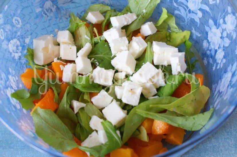 Салат с тыквой, рукколой и фетой - шаг 3
