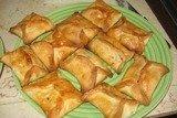 Пирожки с яблоками, орехами и курагой