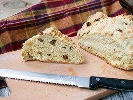 Содовый хлеб с изюмом