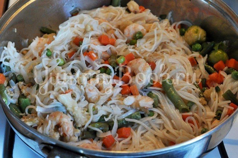 Рисовая лапша с креветками и овощами - шаг 4