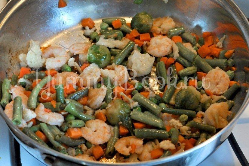 Рисовая лапша с креветками и овощами - шаг 3