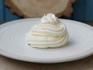 Белковый заварной масляный крем