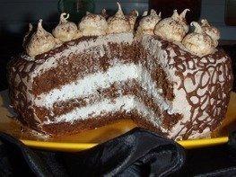 Торт «Шоколадно-кофейный со сливочно - творожным кремом и безе»