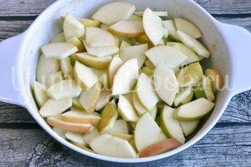 Классическая шарлотка с яблоками - шаг 4