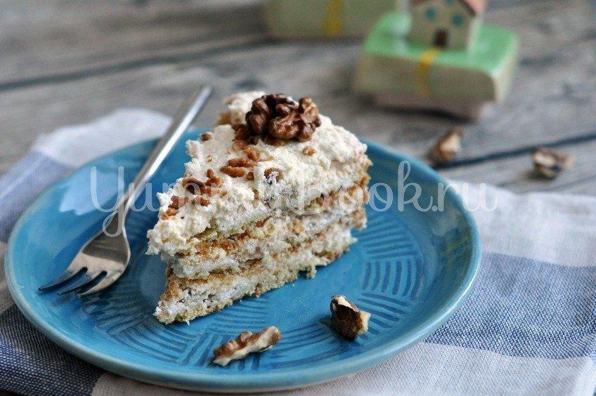 Торт с безе и орехами