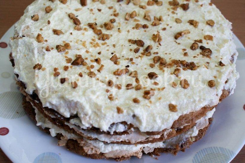 Торт с безе и орехами - шаг 7
