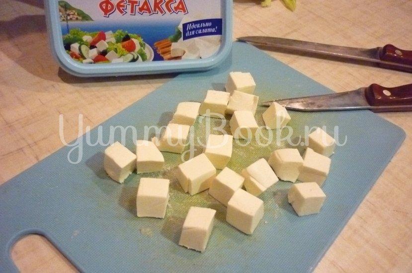 Пикантные канапе с сыром, фруктами и маслинами - шаг 5