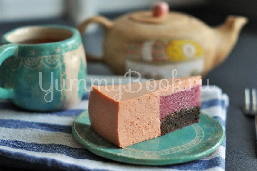 Муссовый торт с клубникой и грейпфрутом