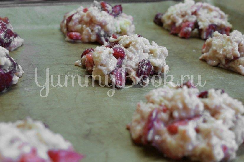 Печенье с клубникой и черешней - шаг 6