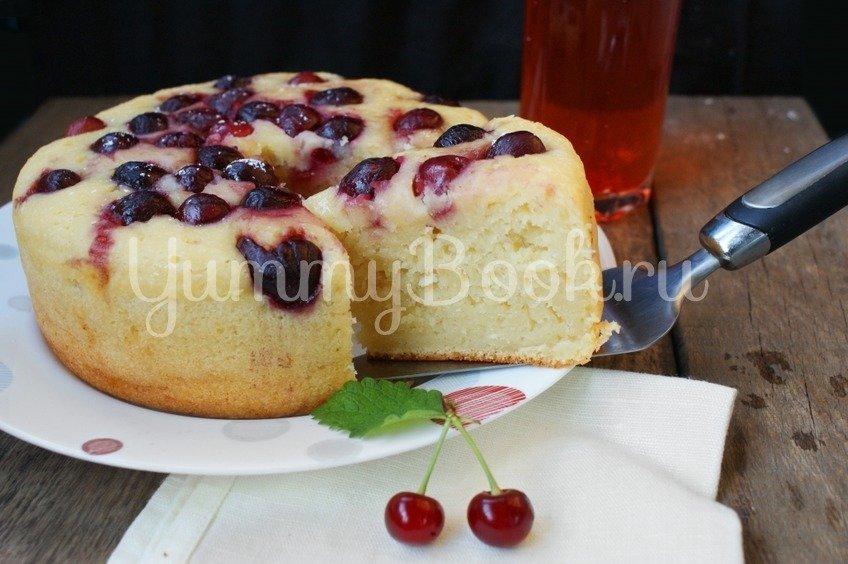 Творожный пирог с черешней в мультиварке