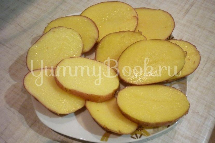Картофель, запечённый с помидором, маслинами и сыром - шаг 2