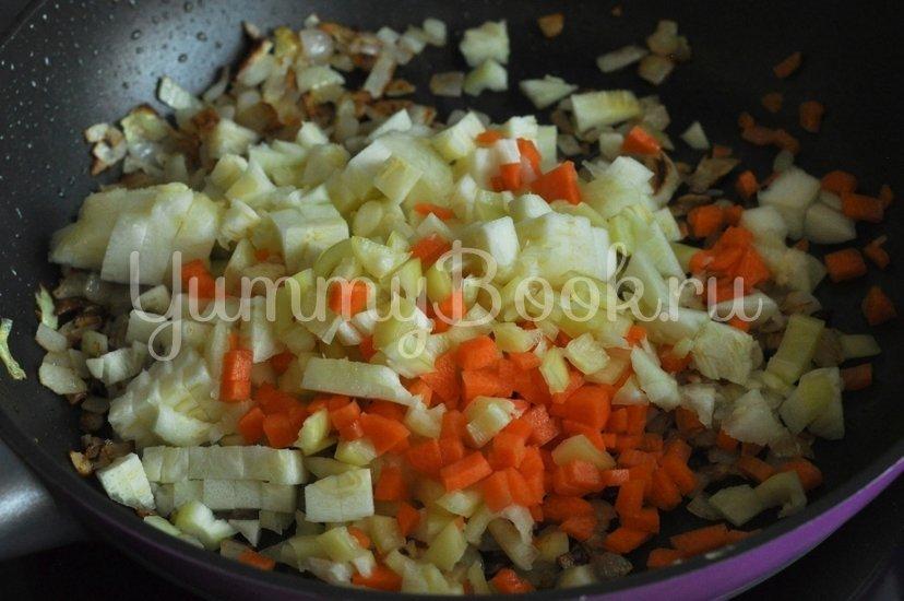 Кабачки, фаршированные курицей и овощами - шаг 6
