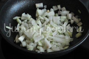 Кабачки, фаршированные курицей и овощами - шаг 3
