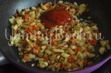 Кабачки, фаршированные курицей и овощами - шаг 7