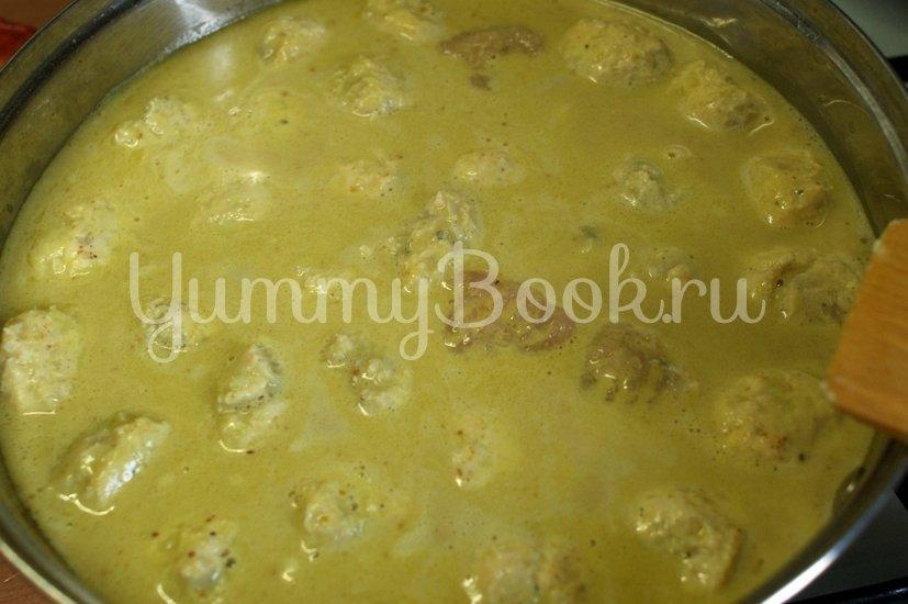 Куриные фрикадельки в соусе из кокосового молока - шаг 6