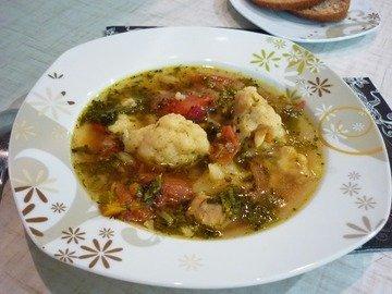 Лёгкий куриный суп с цветной капустой