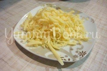 Канапе-рулетики из баклажанов с сыром и помидорами - шаг 8