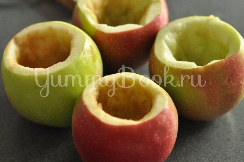 Печеные яблоки с медом и орехами - шаг 1